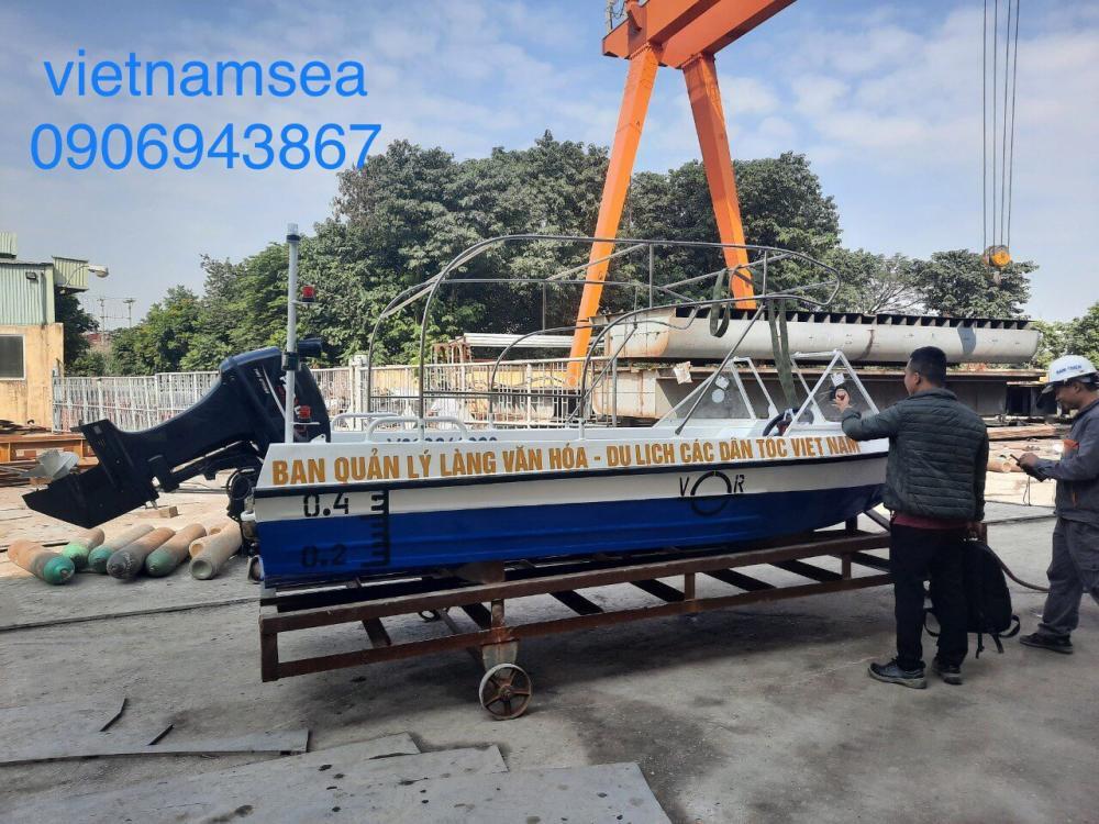 MS06 mua xuồng máy tại Hà Nội