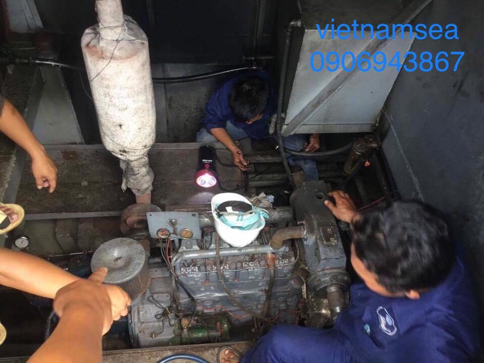 Sửa chữa tàu cẩu 80CV, SG-0420 cho Công An Thành Phố Hồ Chí Minh
