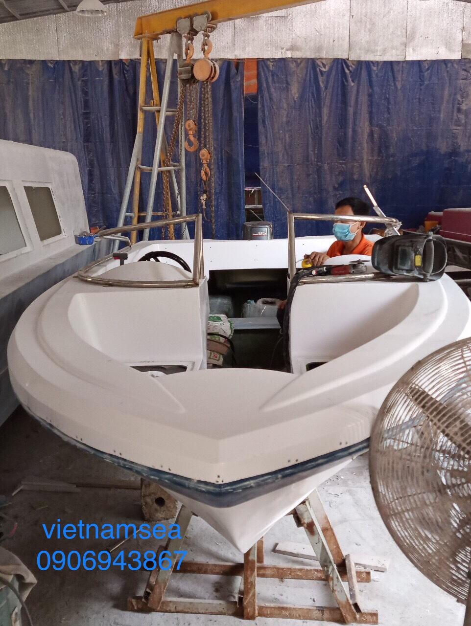 Sửa chữa cano, ca nô 85CV, SG-0148 cho Công An Thành Phố Hồ Chí Minh